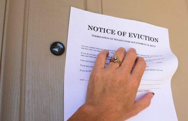What is The Difference Between an Actual and Constructive Eviction?